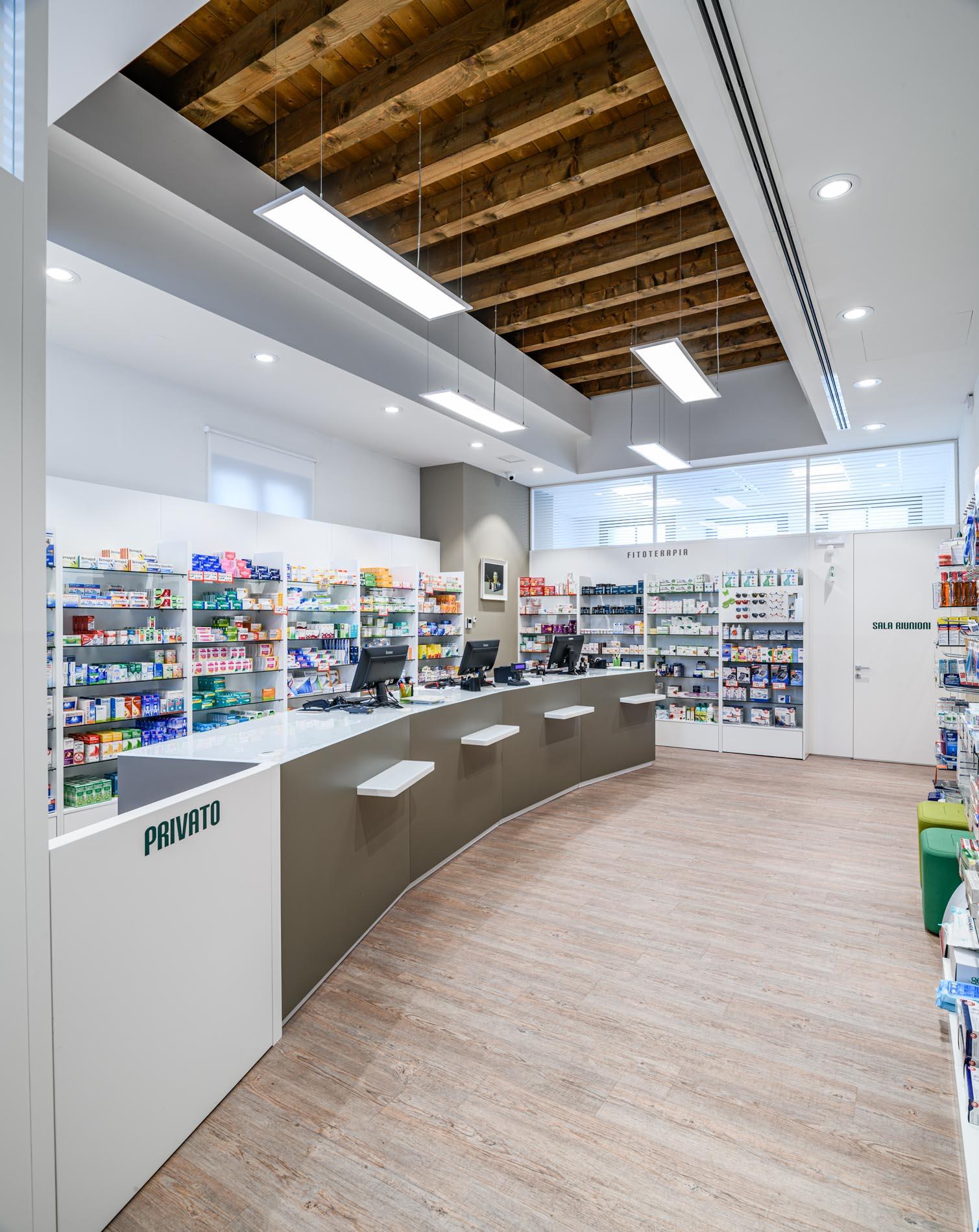Artupharma – Progettazione interni arredamento farmacie – Dueville 01