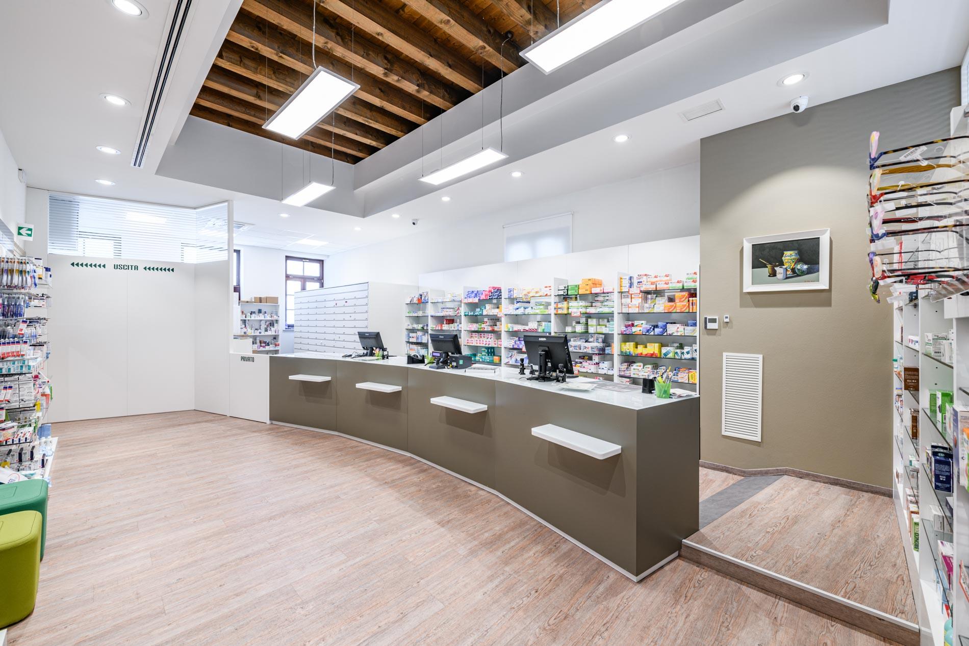 Artupharma – Progettazione interni arredamento farmacie – Dueville 04