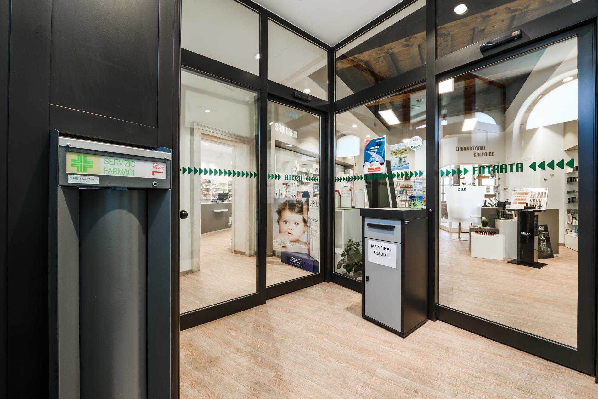 Artupharma – Progettazione interni arredamento farmacie – Dueville 10