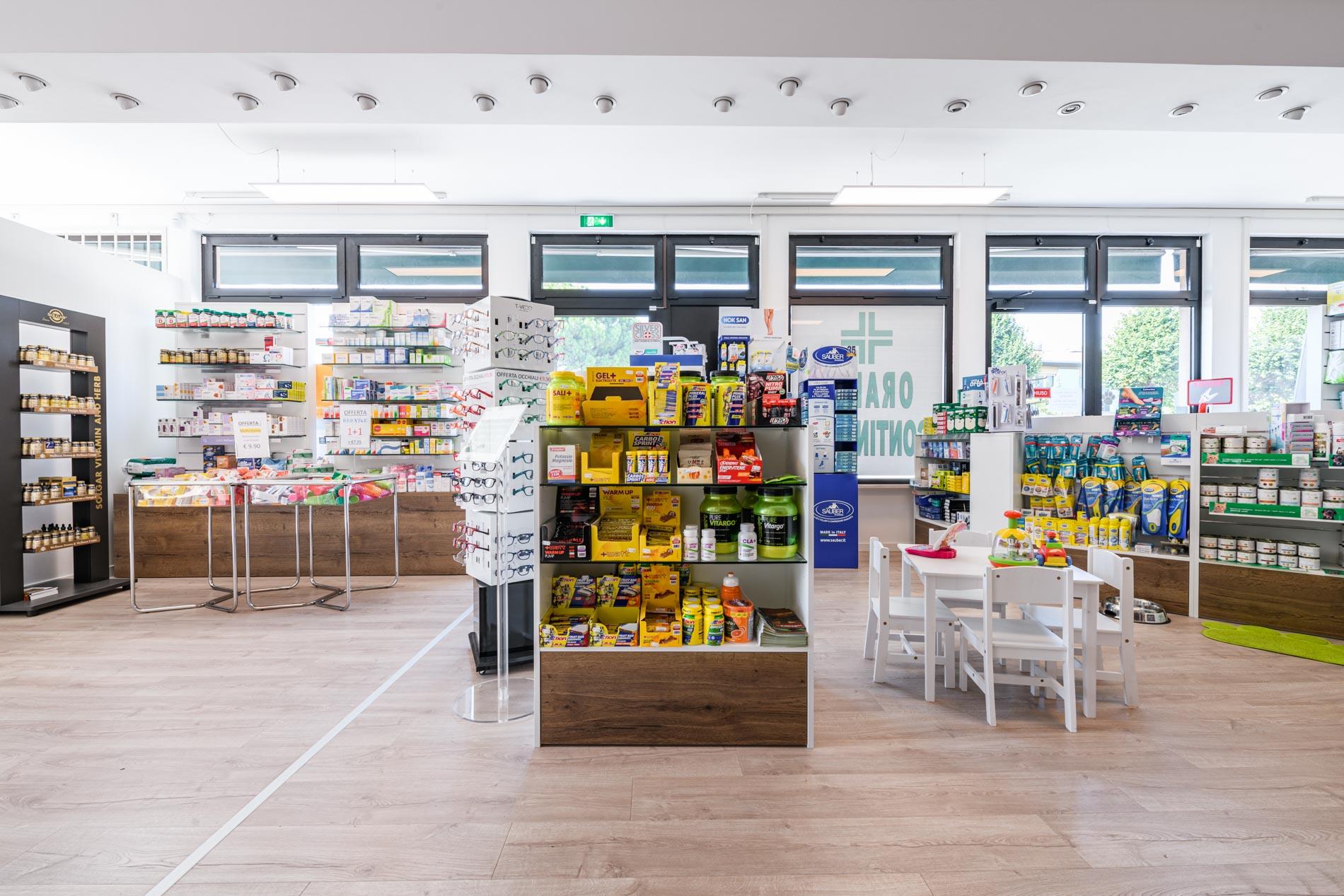 Artupharma – Progettazione interni arredamento farmacie – Mellaredo 09